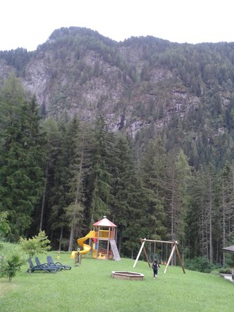 Alpenhotel Panorama : il parco giochi esterno
