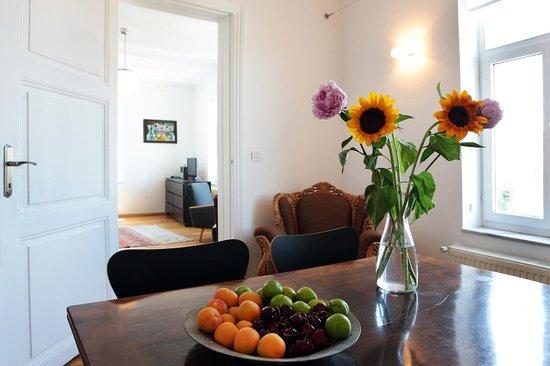 Manzara Istanbul: Essbereich in der Wohnung Pierre Lotti