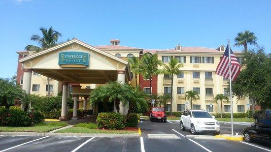 Staybridge Suites Naples-Gulf Coast: Vue extérieure