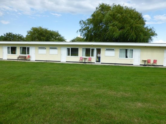 Pontins Pakefield Holiday Park: View of chalet in row of them