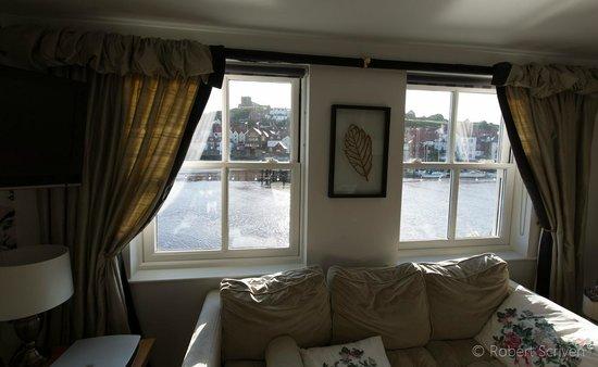The Marine Hotel: Sofa Room 2