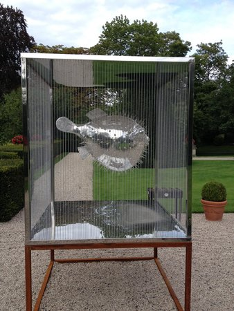 Chateau Les Crayeres: Funny Object