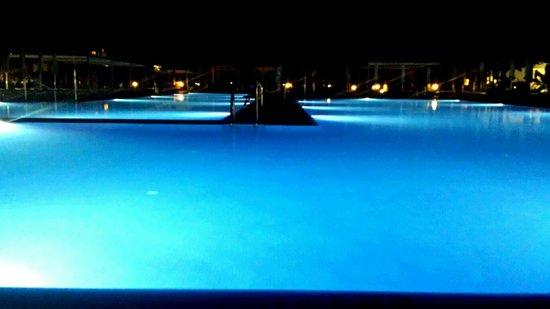 ClubHotel Riu Gran Canaria : Piscine principale le soir