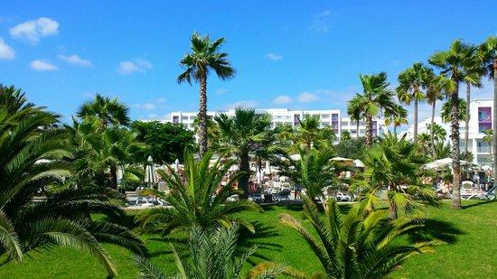 ClubHotel Riu Gran Canaria : Vue arrière de l'hôtel