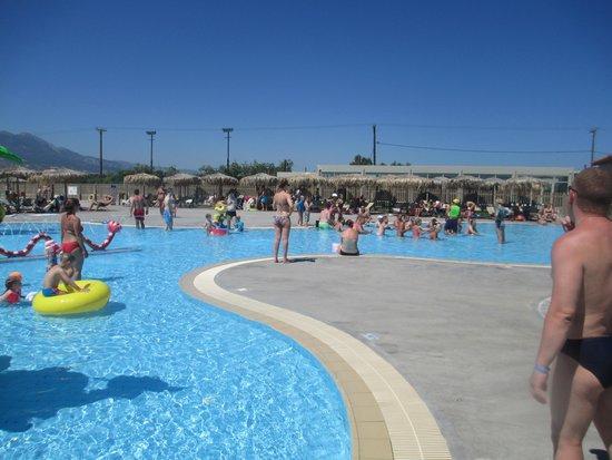 Blue Lagoon Resort: детский бассейн