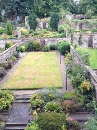 Adria House : The Garden