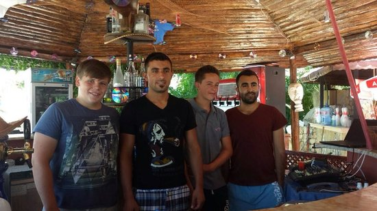 Seyir Village Hotel: Elvis and Albert with there 2 new friends