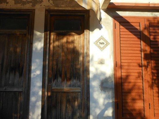 Torre Macauda: porta dell'appartamento
