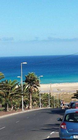 Occidental Jandia Mar : Widok w trakcie drogi na plażę