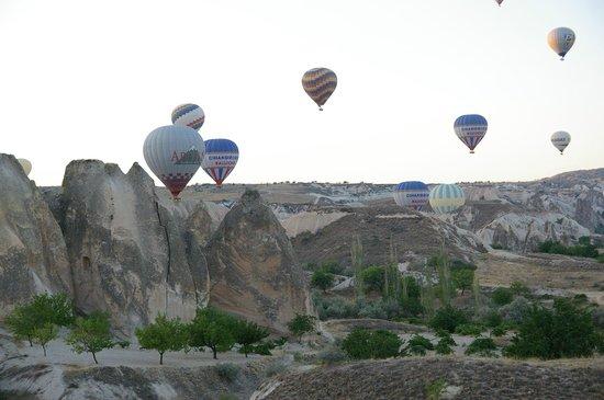 Royal Balloon - Cappadocia: バルーンの大渋滞