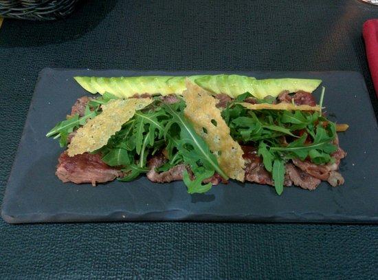 HANgoût Restaurant : Antipasto di tartar di vitello e avocado. Molto buono