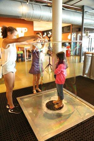 NEMO Science Museum: Bubbles