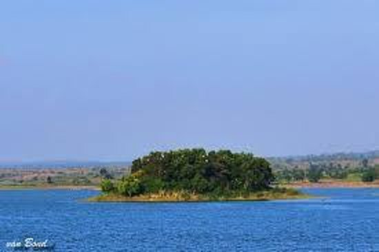 Tegal, Ινδονησία: Pulau kecil di tengah Waduk Cacaban