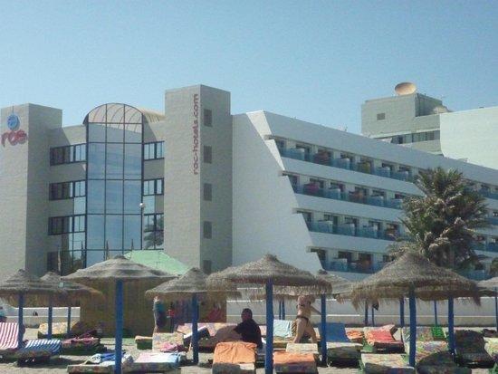 Hotel Roc Golf Trinidad: Vista desde la playa