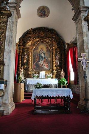 Igreja de Santo Antonio dos Olivais: Inside.