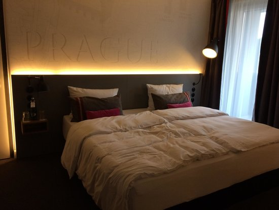 pentahotel Prague: Bed