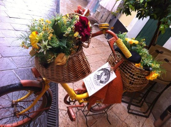 Osteria Vico del Rame : Terrace decoration