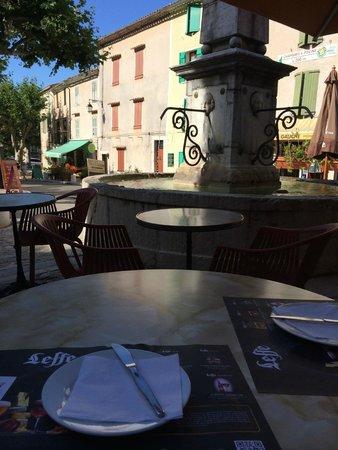 Hotel du Vieux Chateau : Terrasse de l'hotel