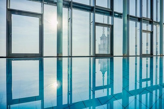 InterContinental Hotel Warsaw: morgen licht am Pool