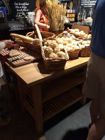 pentahotel Prague: Bread island