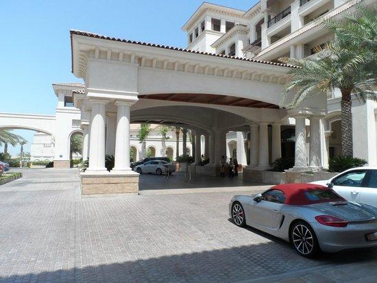 The St. Regis Saadiyat Island Resort: Entrance view