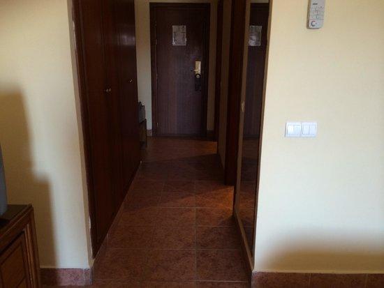 Ryad Mogador Menara : Couloir de la chambre