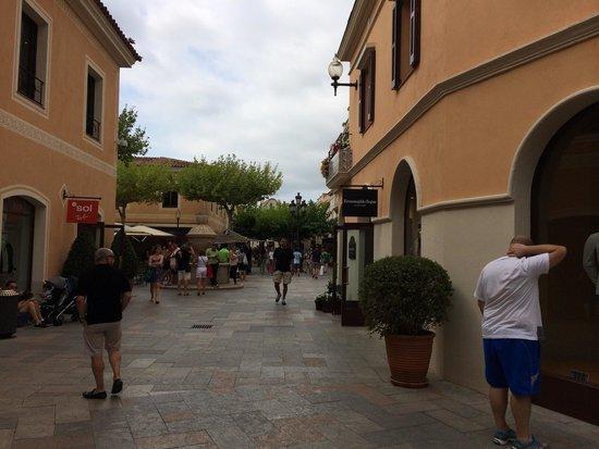 La Roca Village Outlet
