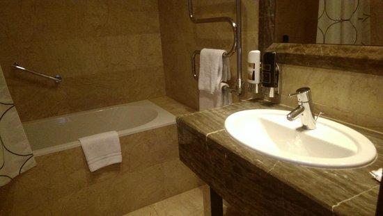 Designhotel Elephant Prague: bathroom