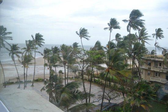 Hotel Sea Princess: Juhu beach from Hotel room