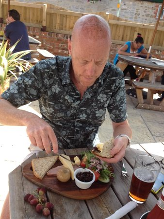The Who'd A Thought It Inn Restaurant: Ploughmans