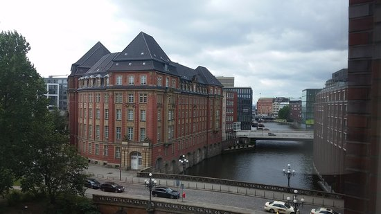 Steigenberger Hotel Hamburg: view from my room
