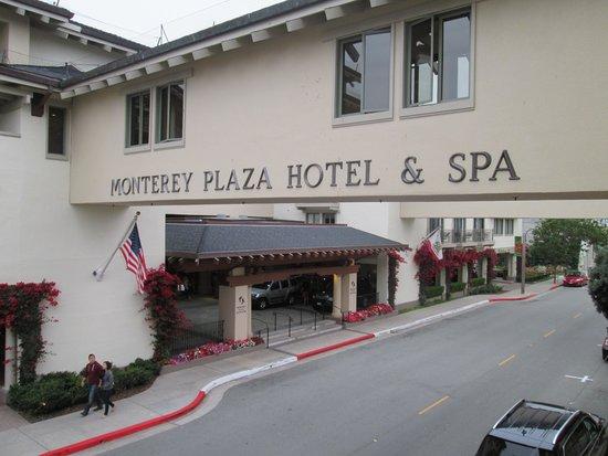 Monterey Plaza Hotel & Spa: Street view