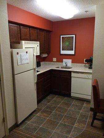 Residence Inn Charleston Airport: Kitchen