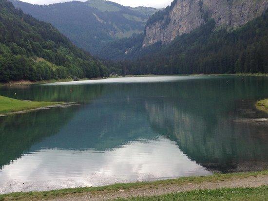 Chalet Philibert : The lake near Morzine