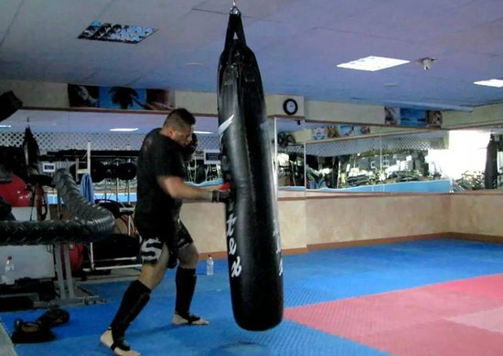 Olympic Beach Gym: MIchael Rueppel, Krav Maga Street Defence