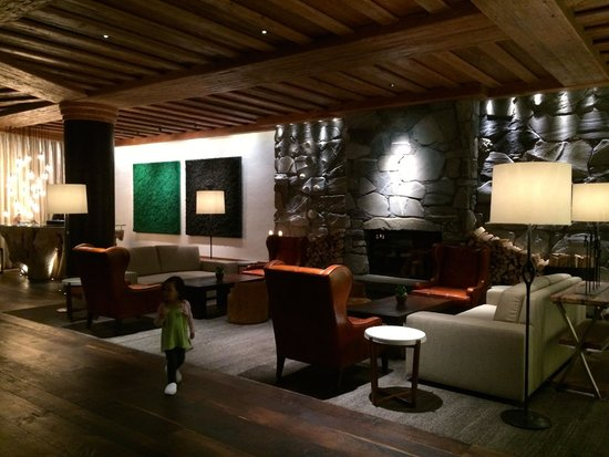 The Alpina Gstaad : Great art everywhere