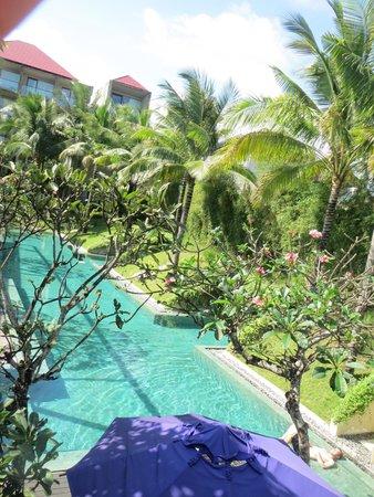 Centra Taum Seminyak Bali: swimming pool