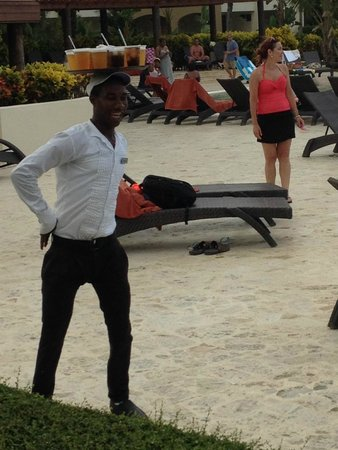 Now Larimar Punta Cana : Trainee Willy (he does the robot dance like this)