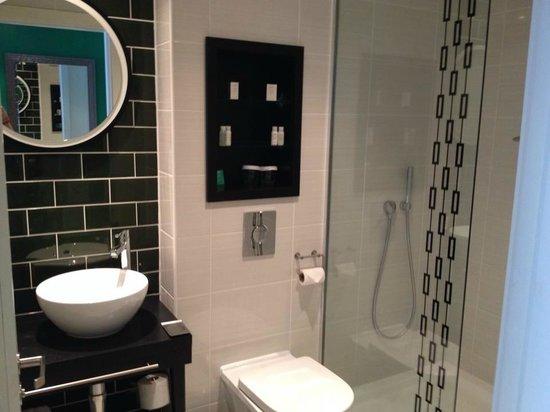 Hotel Indigo Newcastle: Bathroom (En-Suite)