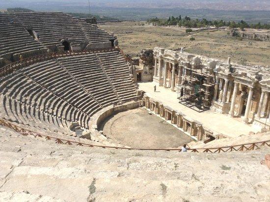 Hierapolis & Pamukkale: Театр