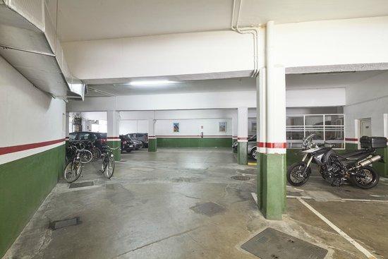 Acta Antibes : Parking