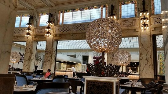Park Hyatt Vienna: Heller, beeindruckender Frühstücksraum