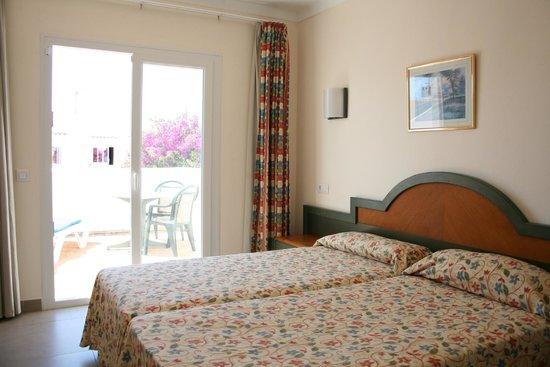 Hotel D'Or: Habitación / room
