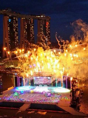 Mandarin Oriental, Singapore: NDP 14 FireWork