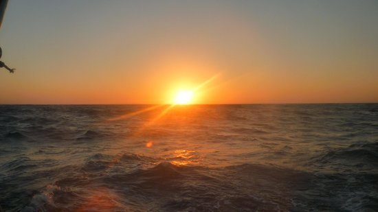 Santorini Sailing : sunset