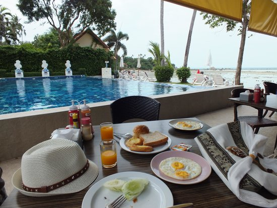 Palm Coco Mantra: Breakfast with a view
