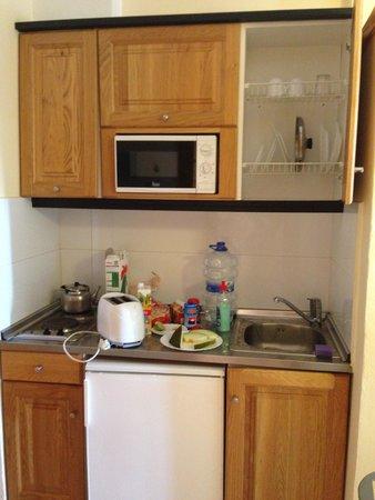 Apartamentos Tropical Garden: Кухня
