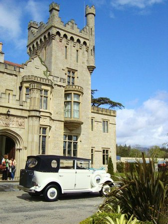 Lough Eske Castle, a Solis Hotel & Spa : Old-time car parked out front