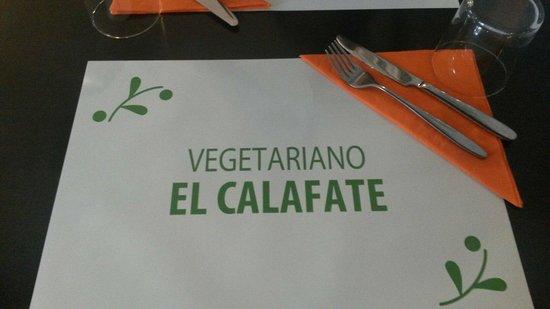 Vegetarian El Calafate: Detalle mantel y cubiertos