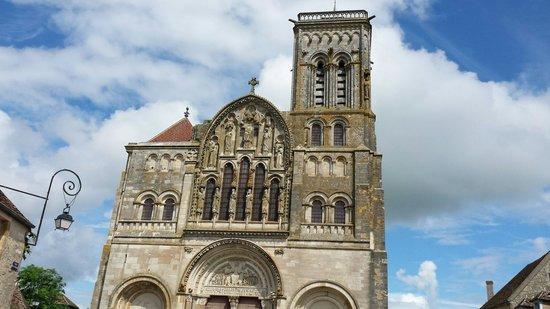 La Basilique Sainte Marie-Madeleine : La basilique